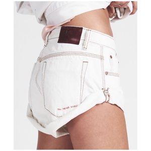 One Teaspoon • coconut bandit jean shorts
